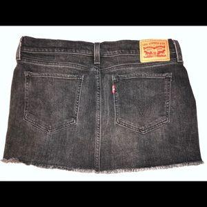 Levis Black Wash Denim Skirt (26)